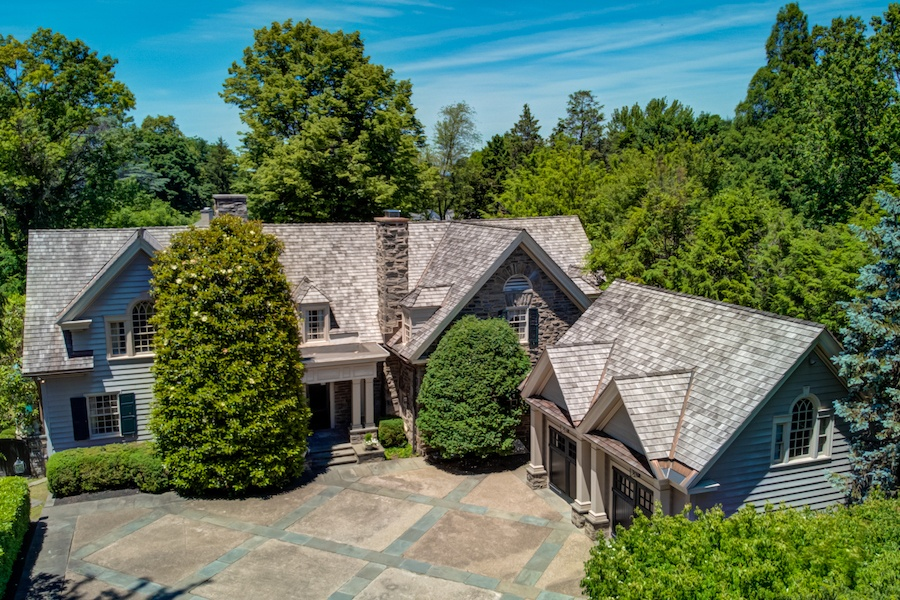 Just Listed: Low-Slung Colonial in Wyndmoor
