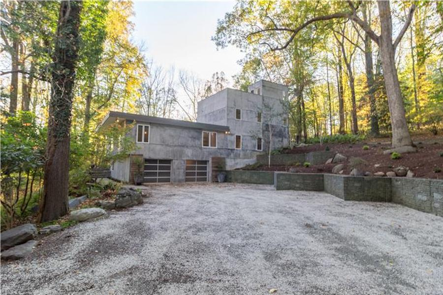 House for Sale: Brutalist Precursor in Chadds Ford