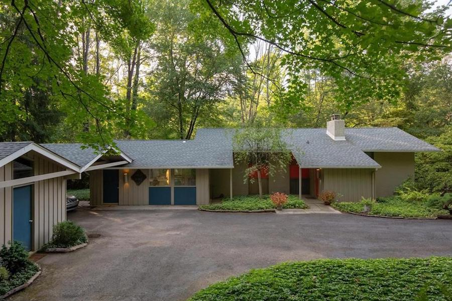 Just Listed: Modernist Masterpiece in Barren Hill