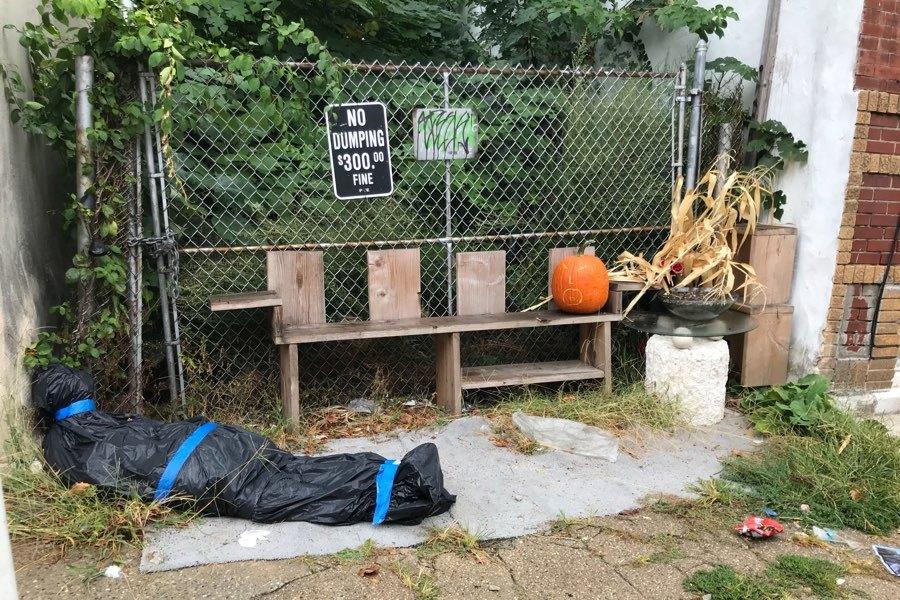Philadelphia Halloween Decorations 2020 Don't Get Spooked by This South Philly Halloween Decoration
